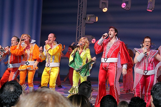 mamma mia celebrates 10th anniversary with pizza and a