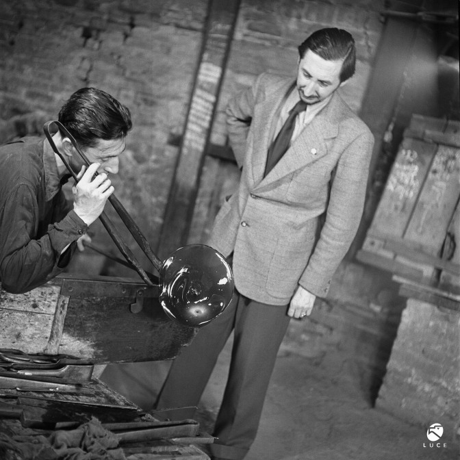 15. Photograph - Carlo Scarpa with Arturo Biasutto in the Venini factory